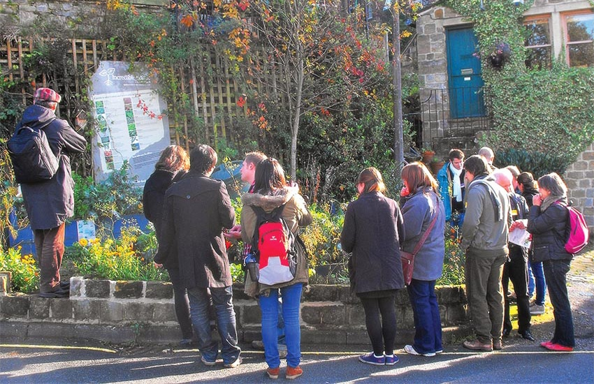 c556_incredible_edible_todmorden_green_route_food_to_share_incroyables_comestibles_w850