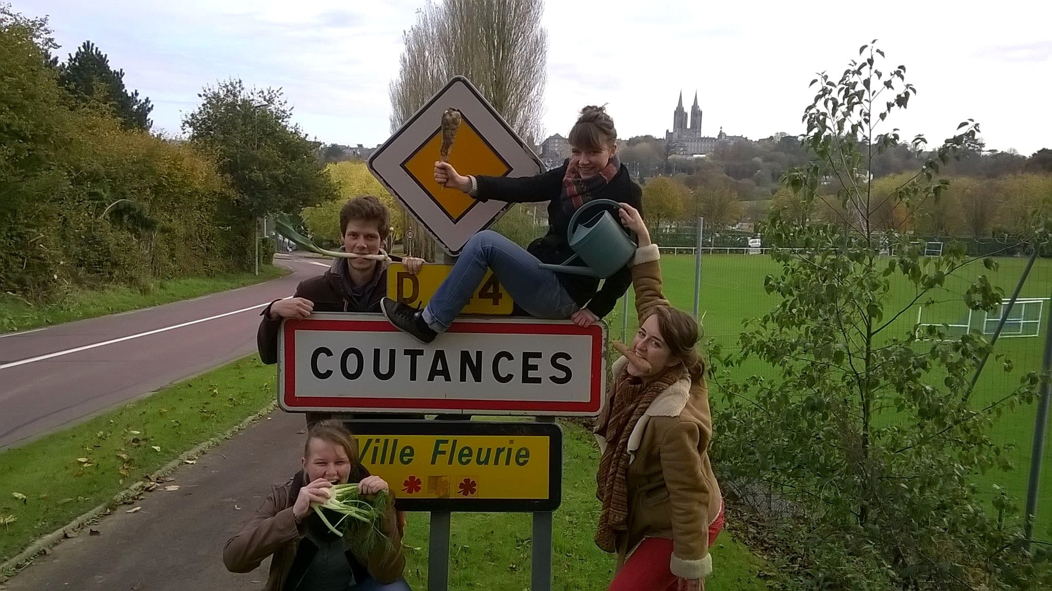 Coutances_Incroyables-Comestibles_Incredible-Edible